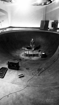 Halfling Studios skate bowl